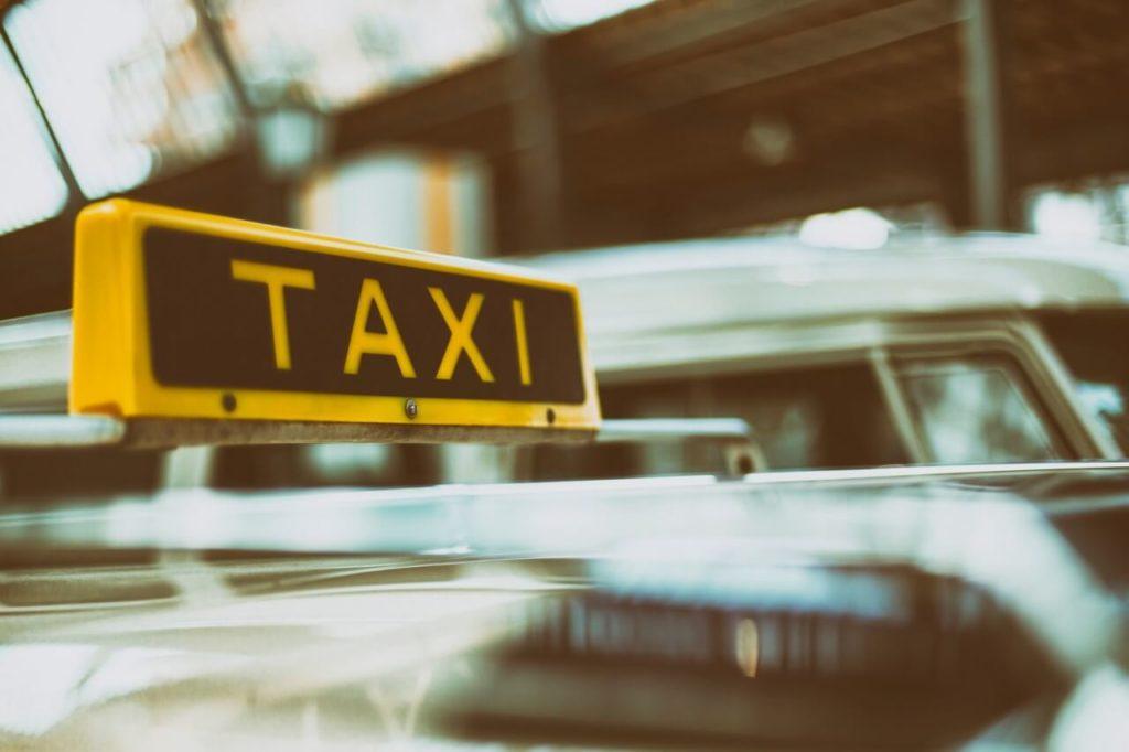 Фото Робота водієм таксі - Самбір